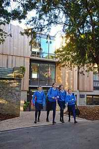 巴德明顿女子学校Badminton School