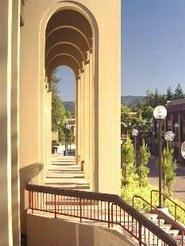 山麓迪安萨城市学院 Foothill-De Anza Colleges