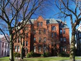 布朗大学 Brown University
