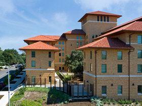 德克萨斯大学奥斯汀分校  University of Texas at Austin
