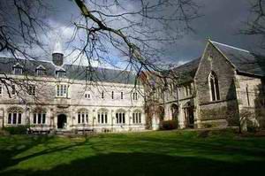 奇切斯特大学 University of Chichester