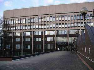 考文垂大学 Coventry University