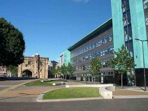 德蒙特福特大学 De Montfort University