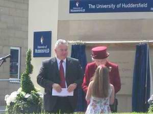 哈德斯菲尔德大学 University of Huddersfield