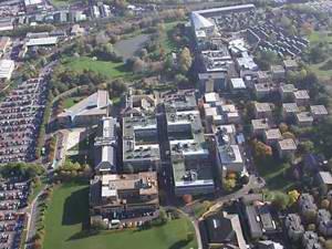 萨里大学 University of Surrey